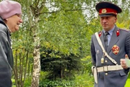 В Великом Новгороде «советский патруль» и ЮИДовцы провели ликбезы по правилам безопасного поведения на дорогах
